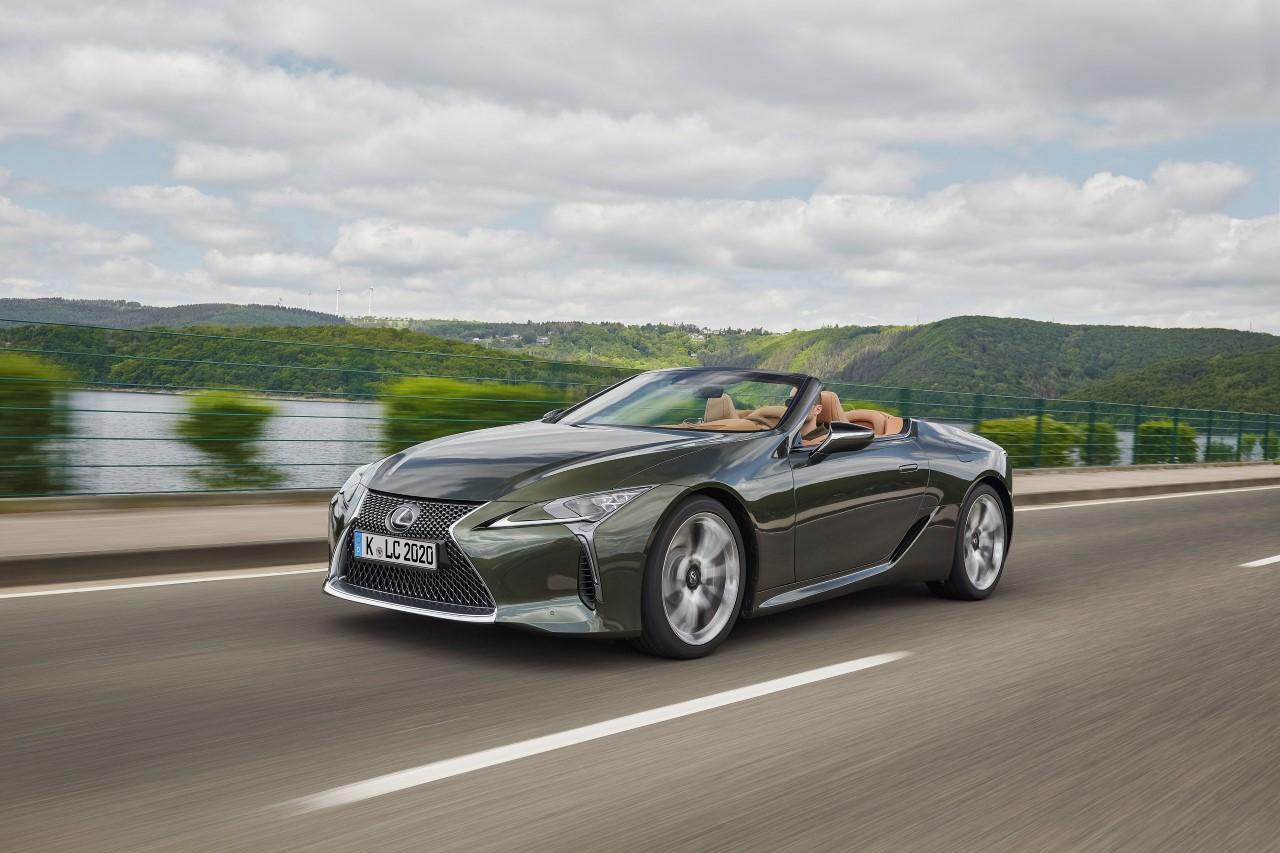 Tichá kabína a synergia výkonu v Lexus LC Convertible