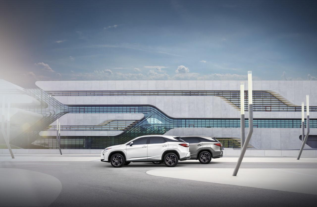 Lexus RX L – mobilny salon Omotenashi