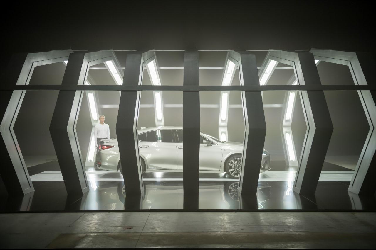 Nową generację Lexusa ES będzie promowała pierwsza w świecie reklama stworzona przez sztuczną inteligencję